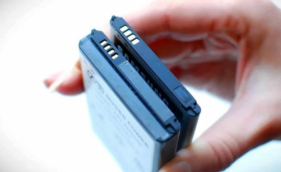 Заряжать аккумулятор смартфона