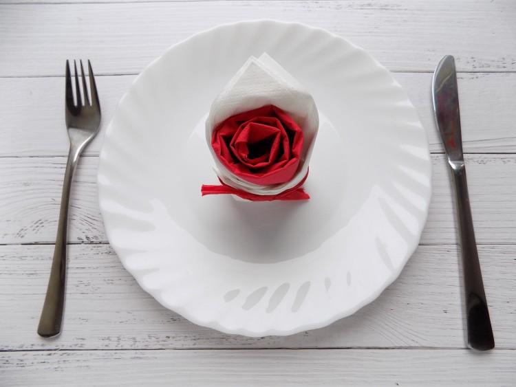 как сделать розу из салфетки своими руками